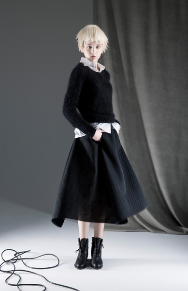 CIRCUS of FASHION ANTONIA GOY AW2014_15 Foto Schah Eghbaly Angora Sweater Cotton Blouse Structured Woollen Skirt 10