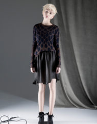 CIRCUS of FASHION ANTONIA GOY AW2014_15 Foto Schah Eghbaly Knitted Cobra Sweater Structured Leather Skirt - Mode aus Berlin