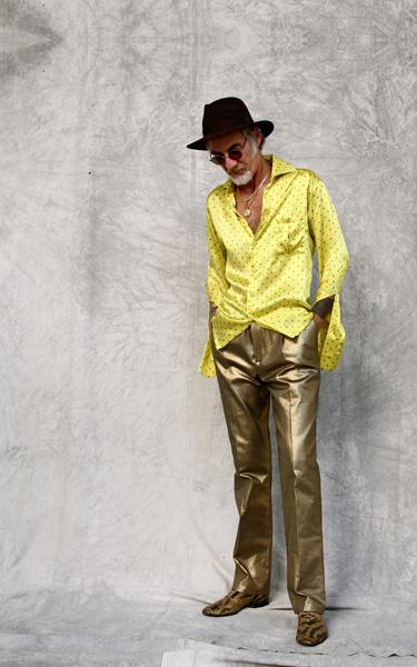 CIRCUS of FASHION Mode aus Berlin Kaska Hass AW 2014_15 Gala m gelbes Seidenhemd Foto Ron Gerlach