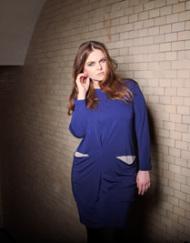 CIRCUS of FASHION Mode aus Berlin Weimann AW 2014_15 Foto Oliver Pink Jerseykleid mit Taschen