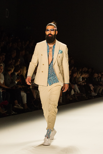 CIRCUS of FASHION-Emre Erdemoglu MBFW SS2016-Foto Andre Remark 27